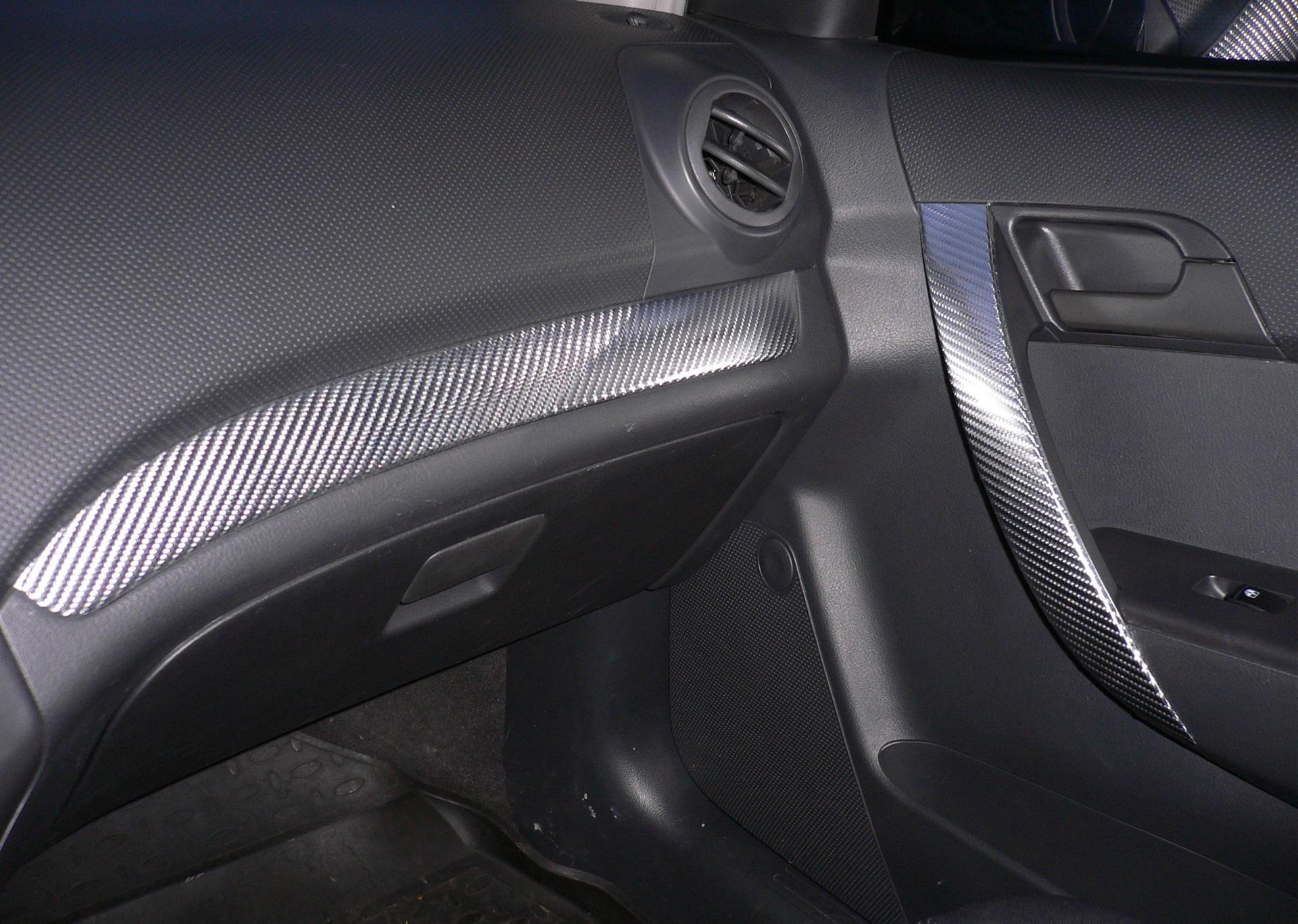 Оклейка плёнкой салон автомобиля своими руками