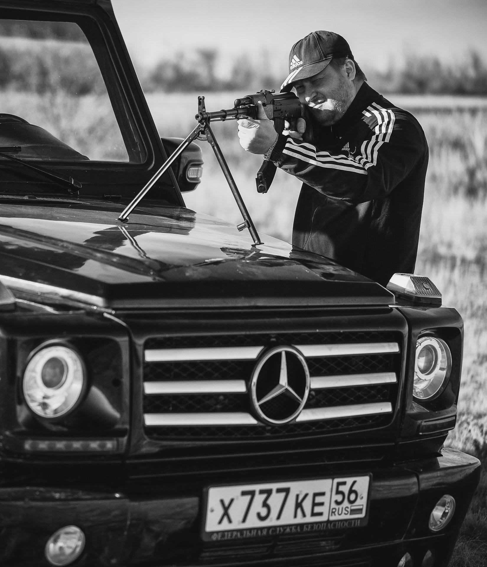 Картинки крутых пацанов в машинах