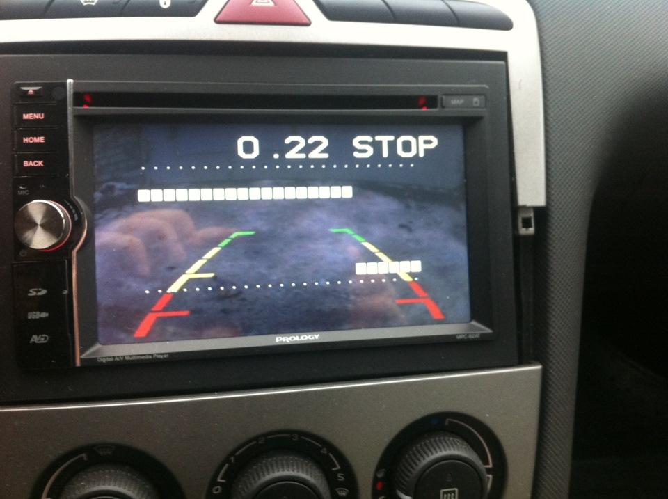 Информация с датчиков парктроника на мониторе