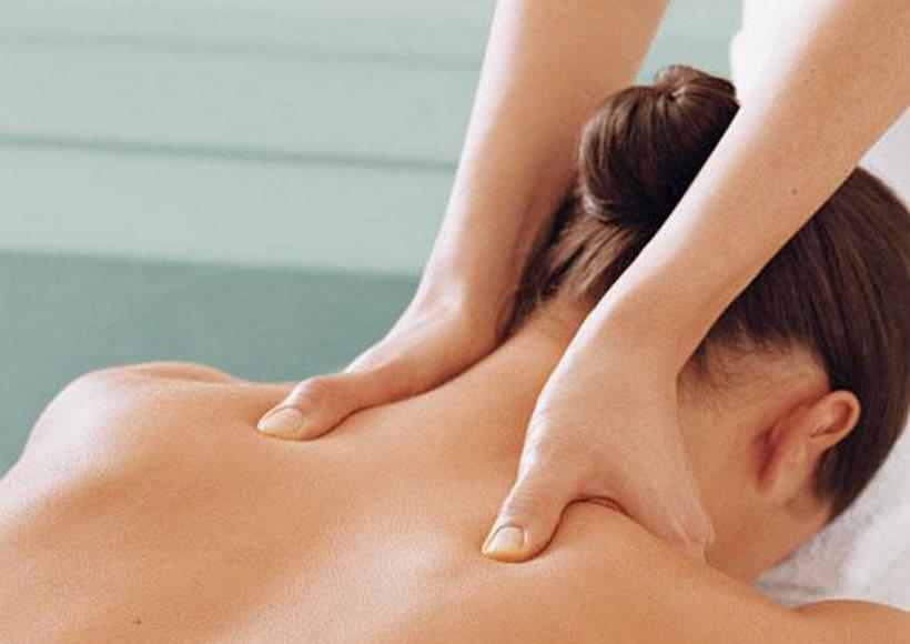 Пикантный массаж женщины