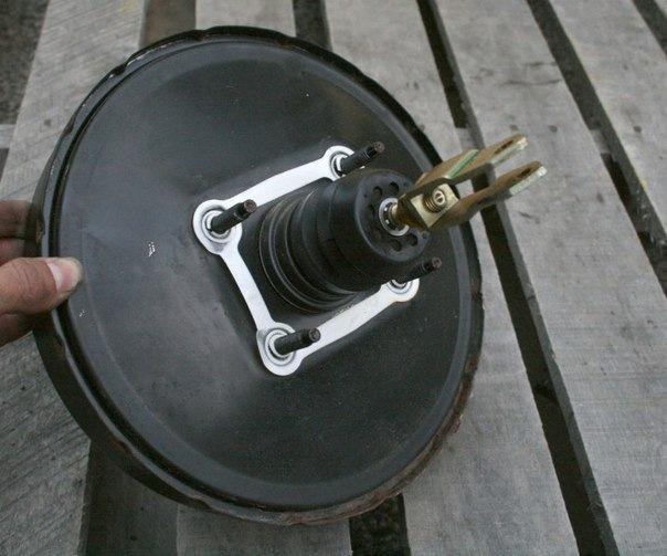 Неисправность вакуумного усилителя тормозов москвич сосет воздух