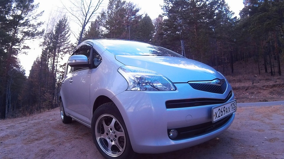 toyota ractis 1.5 g l package