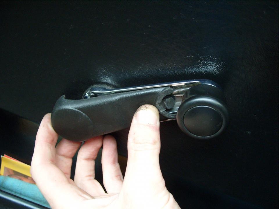 замена дверной ручки на фольксваген в4