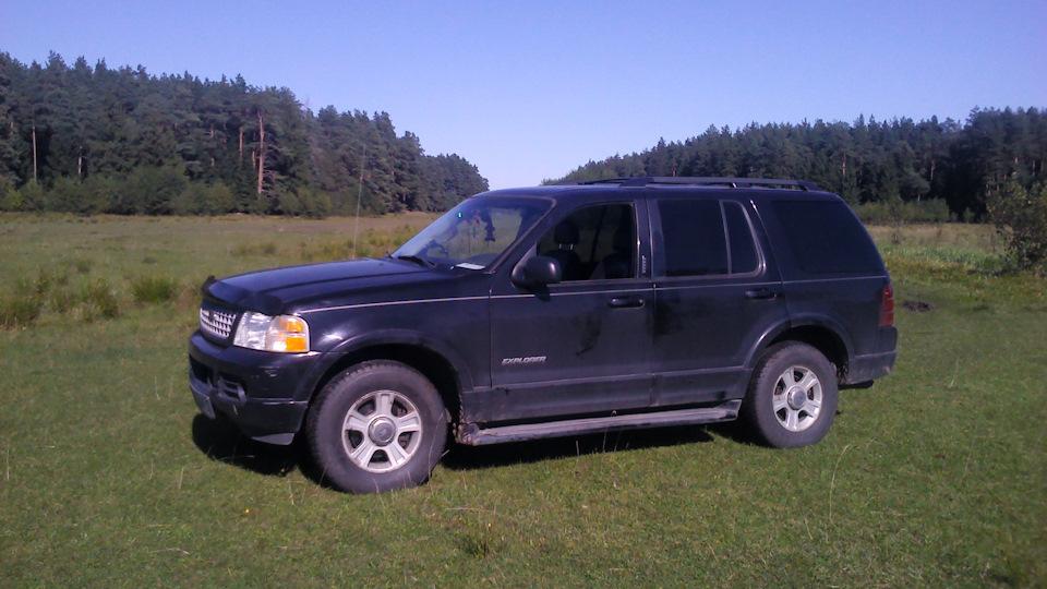 2003 explorer v8