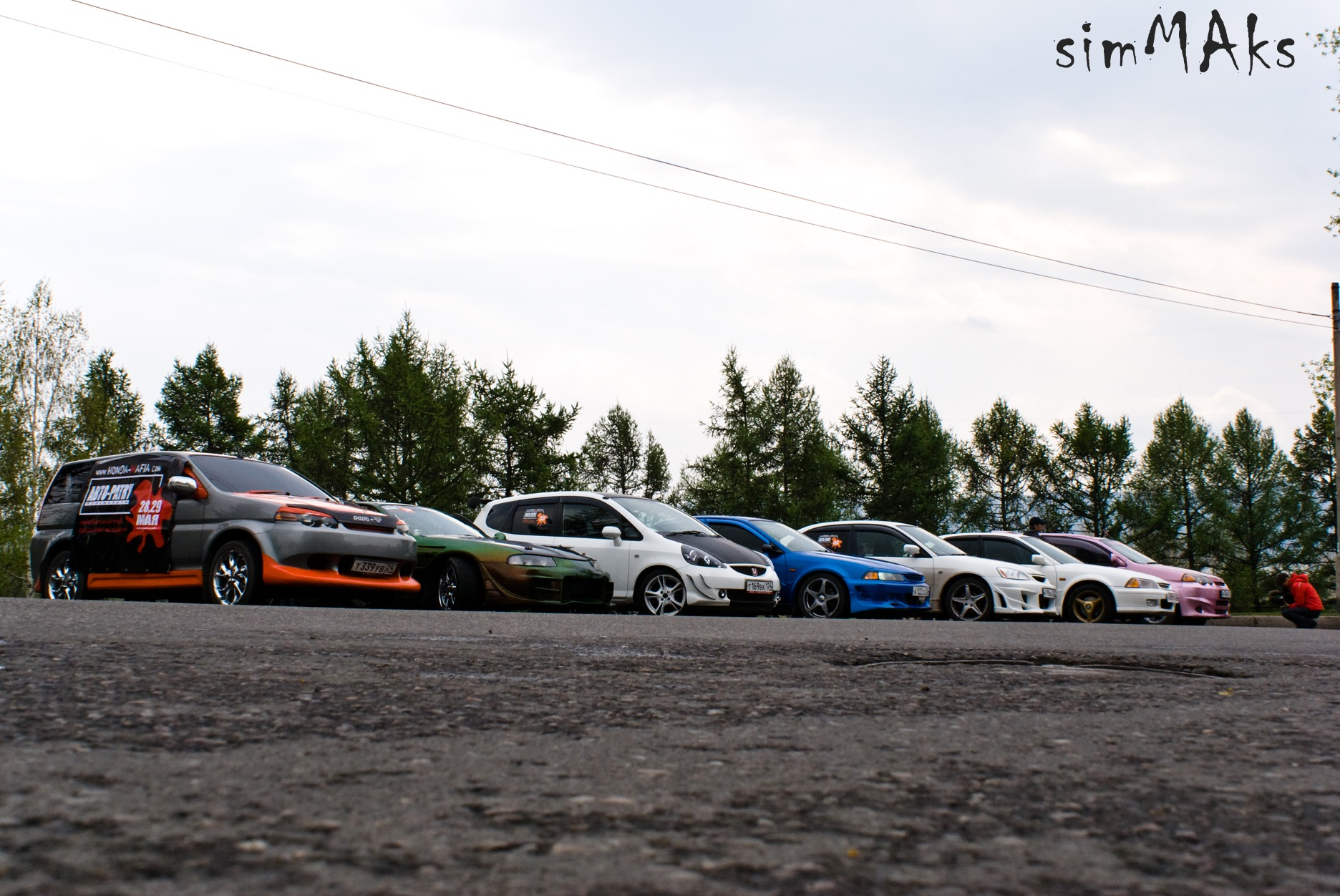 машины в ряд