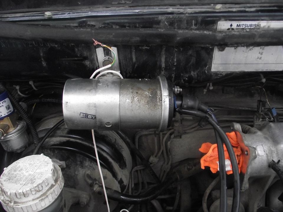Двигатель схватывает но не заводится ваз