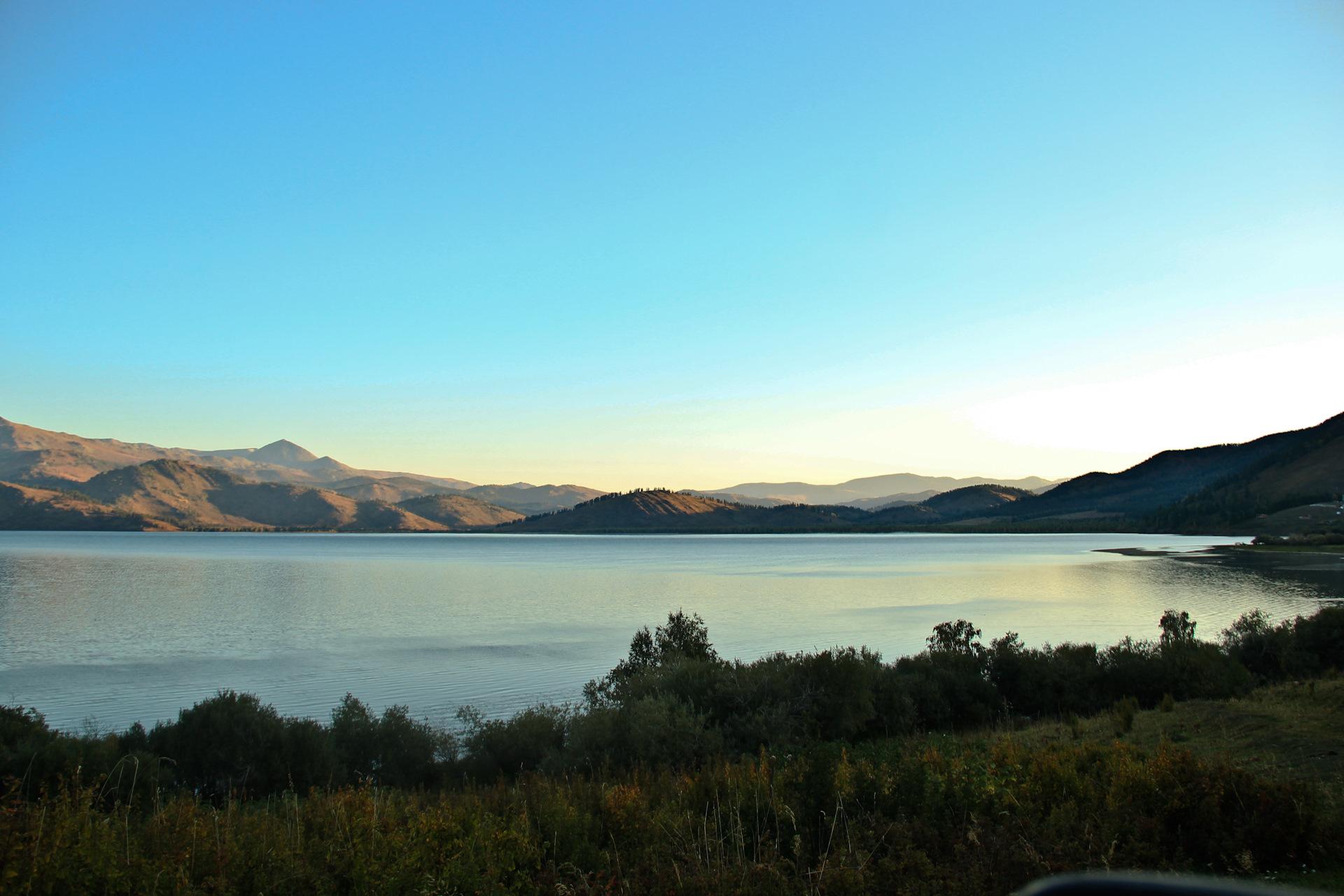 территориально расположен маркаколь озеро фото использовал это своё