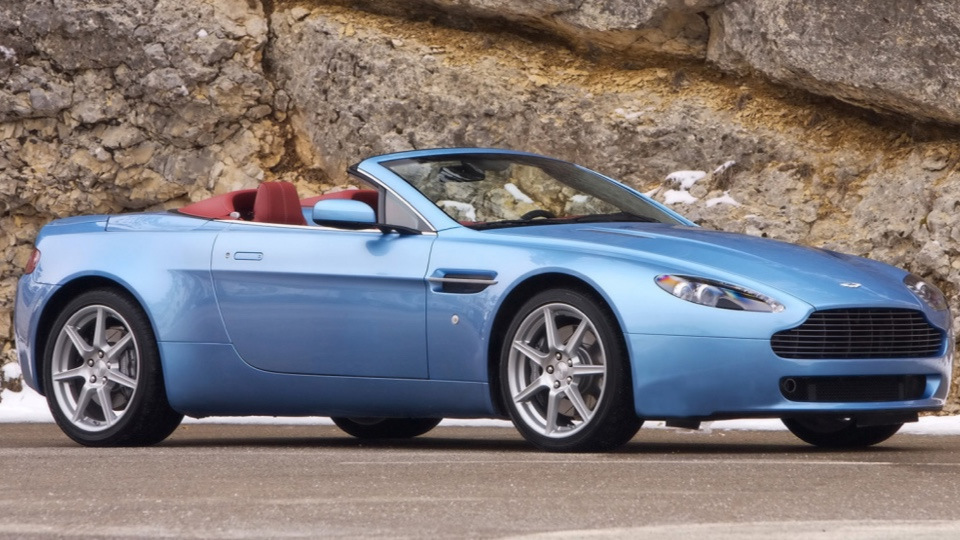 Buy Aston Martin V8 Vantage Roadster: sale of pre-owned