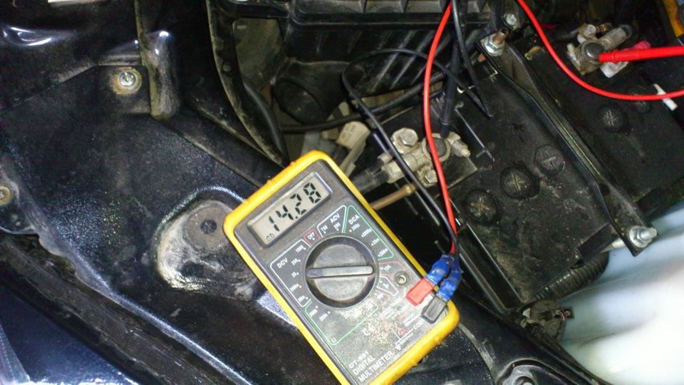 Фото №19 - генератор не выдает нужного напряжения ВАЗ 2110