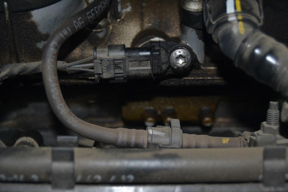запотевание прокладки клапанной крышки вольво