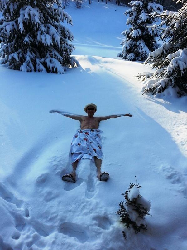 derevenskie-devchonki-posle-bani-na-snegu