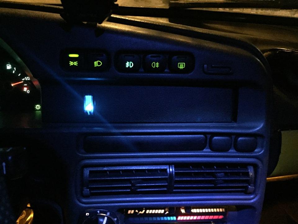 ВАЗ 2114 подсветка в ноги - бортжурнал Лада 2114 Road Warrior 2007 года на DRIVE2