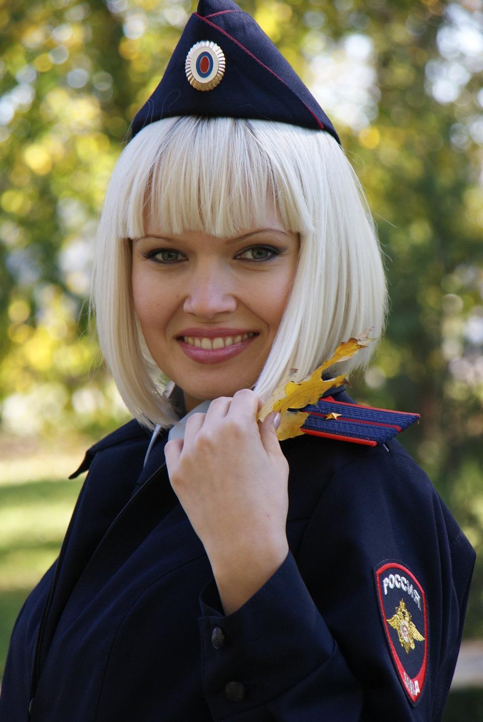 Картинки девушки полиции