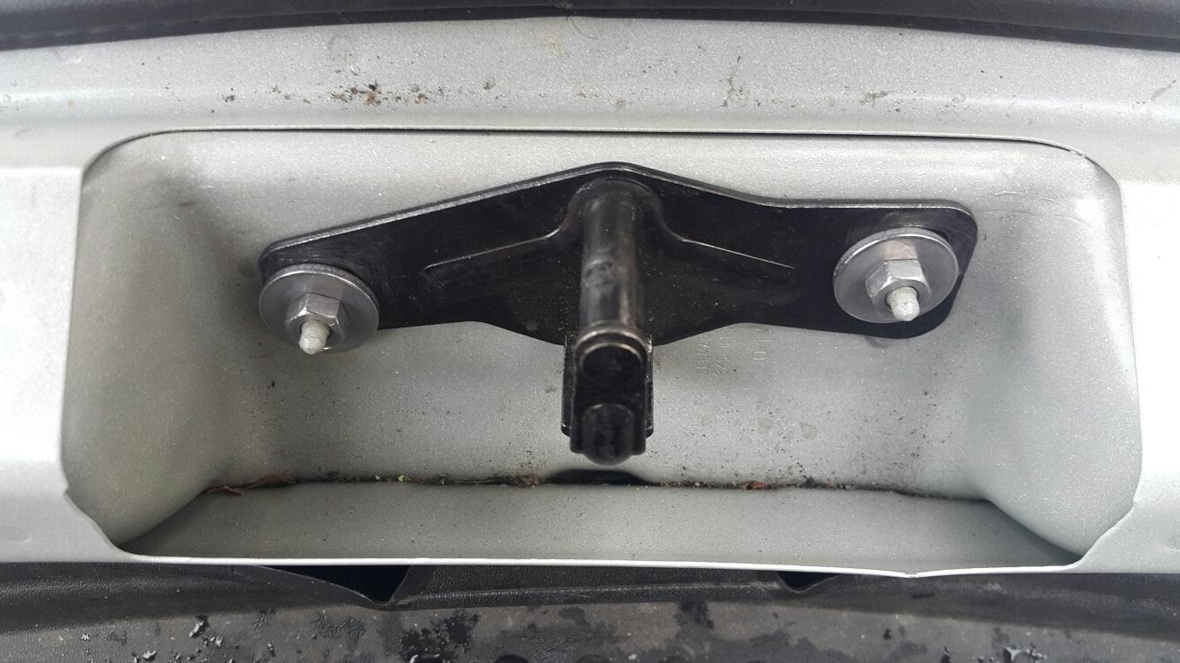 замок капота багажника + ключ audi a4