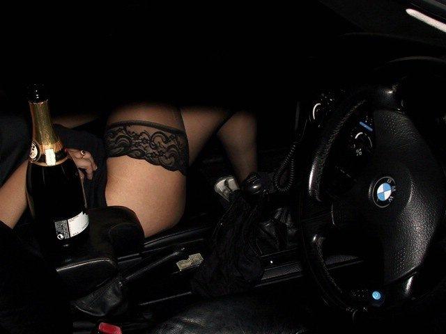 Девочка с девочкой секс в машине в хорошем качестве фотоография