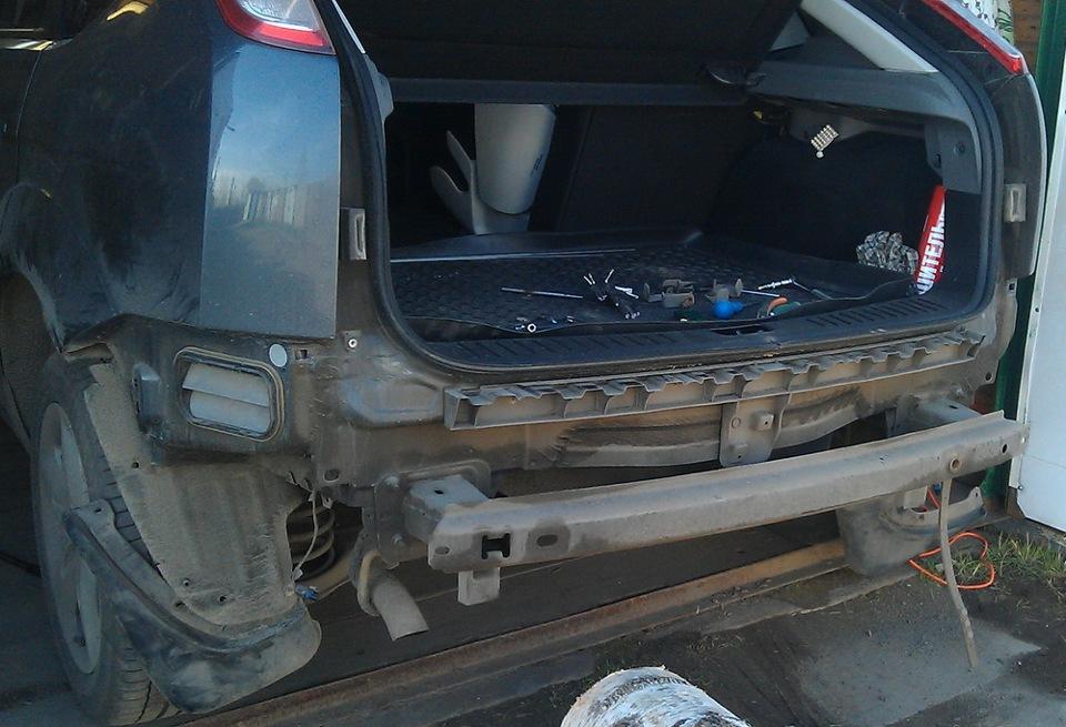 На задний бампер форд фокус 2 рестайлинг универсал