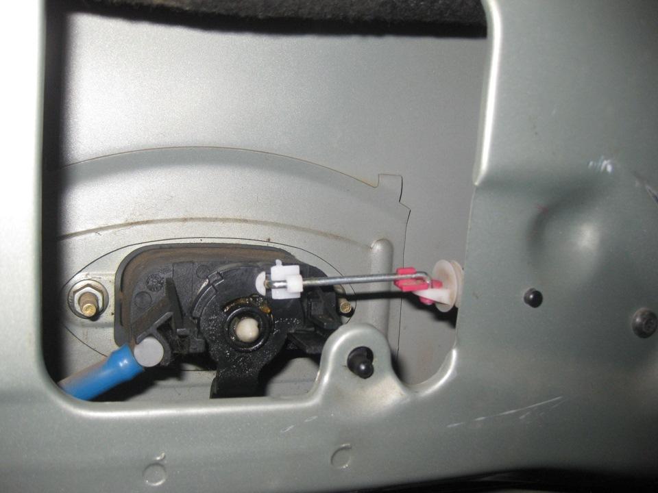 renault megane 2 замерз замок багажника