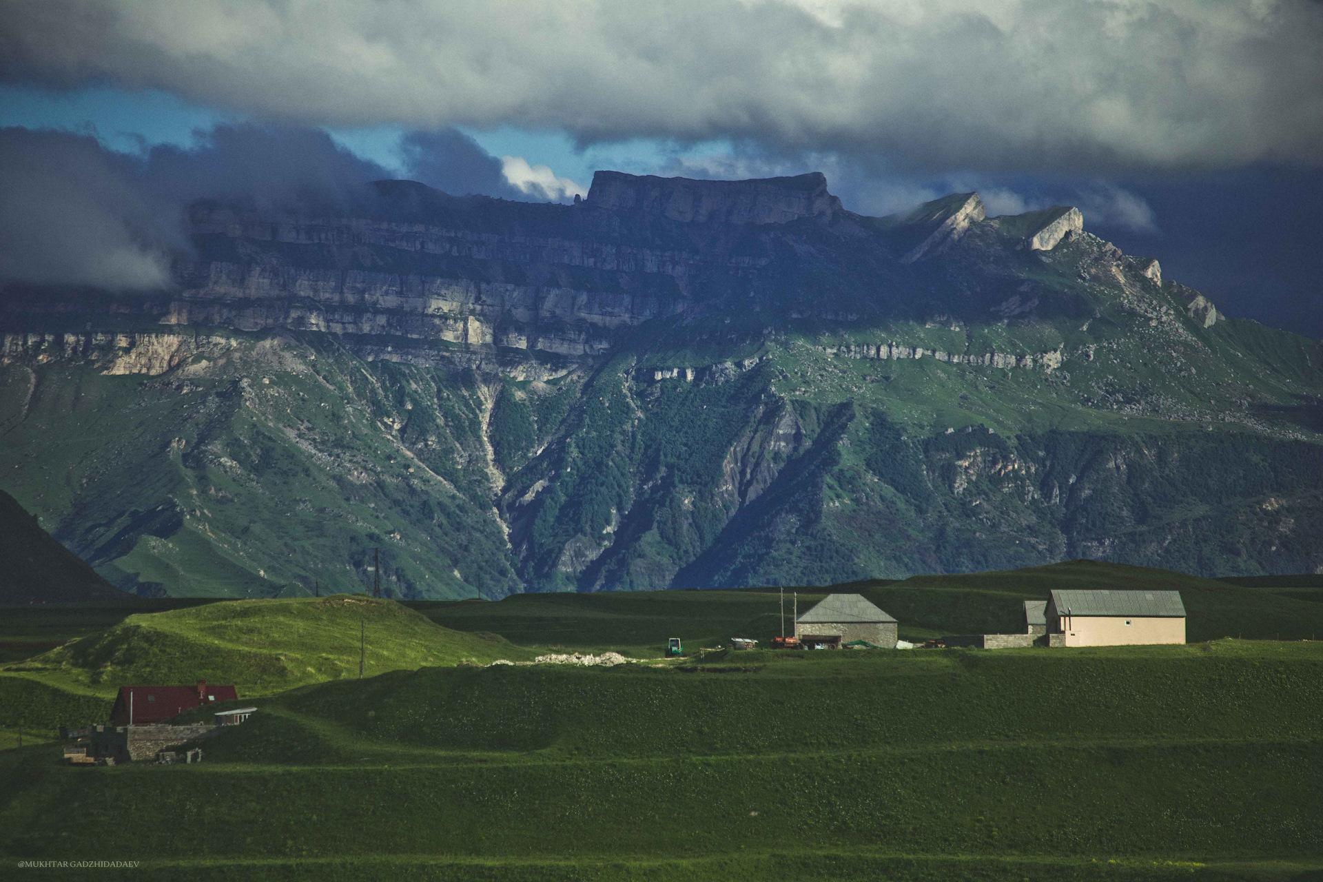Седло-гора. Вид с горы Гуниб | Mapio.net | 1280x1920