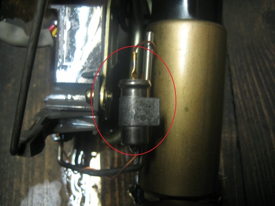датчик уровня топлива замена терморезистора toyota