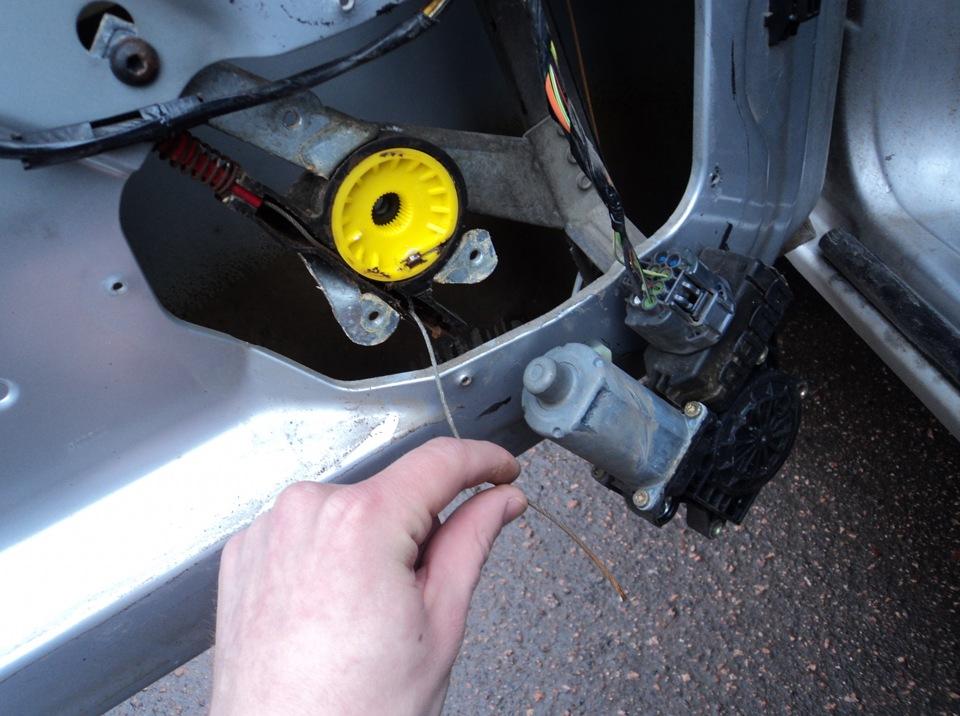 Замена стеклоподъемника передней правой двери - бортжурнал volkswagen passat верный друг 1997 года на drive2