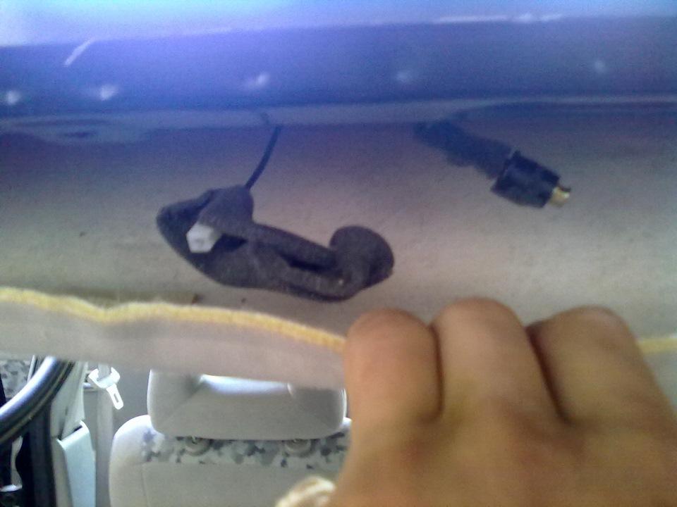 плохо ловит радио в машине тойота королла 2008 года