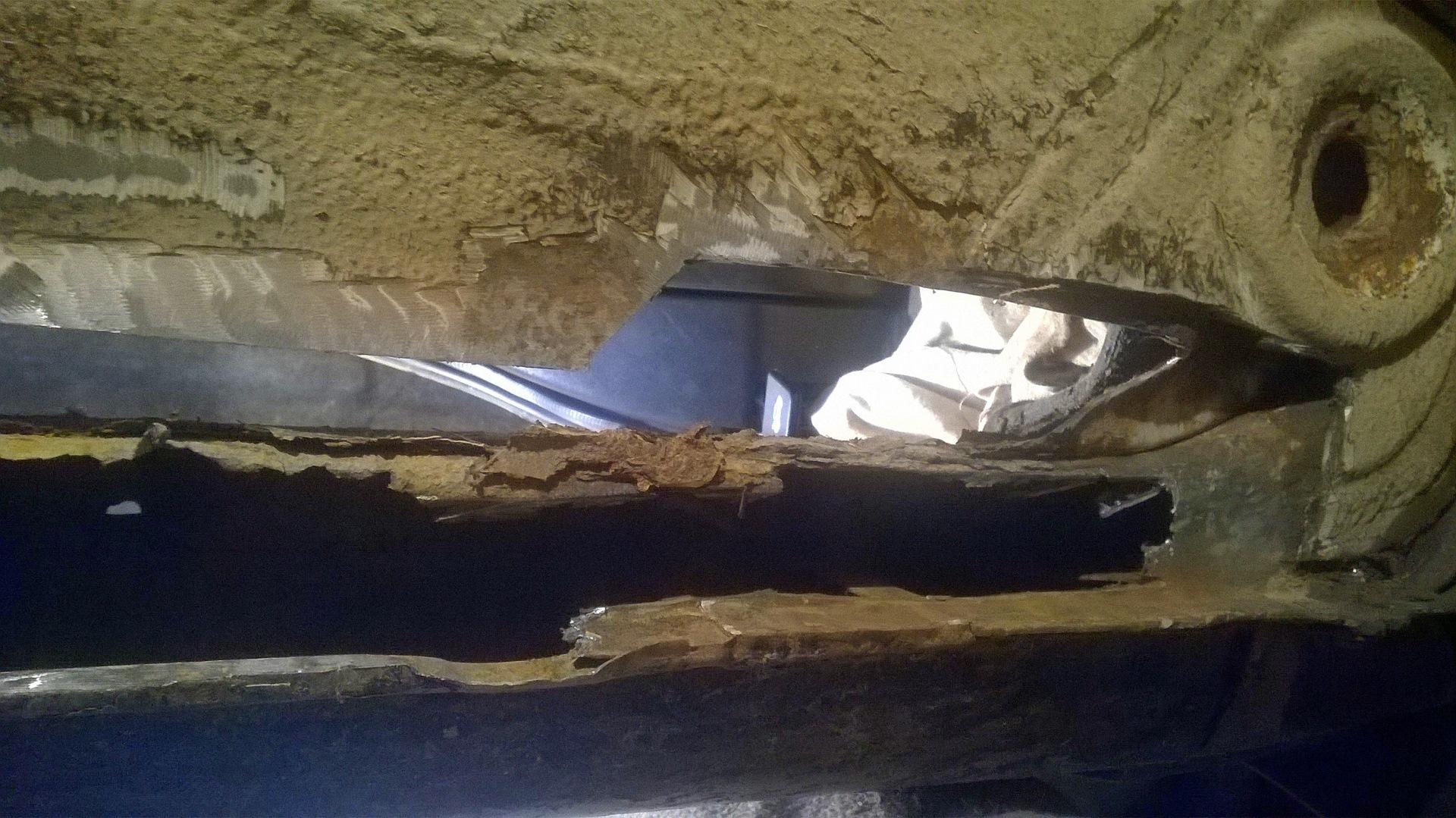 Стены клеем штукатурить плиточным