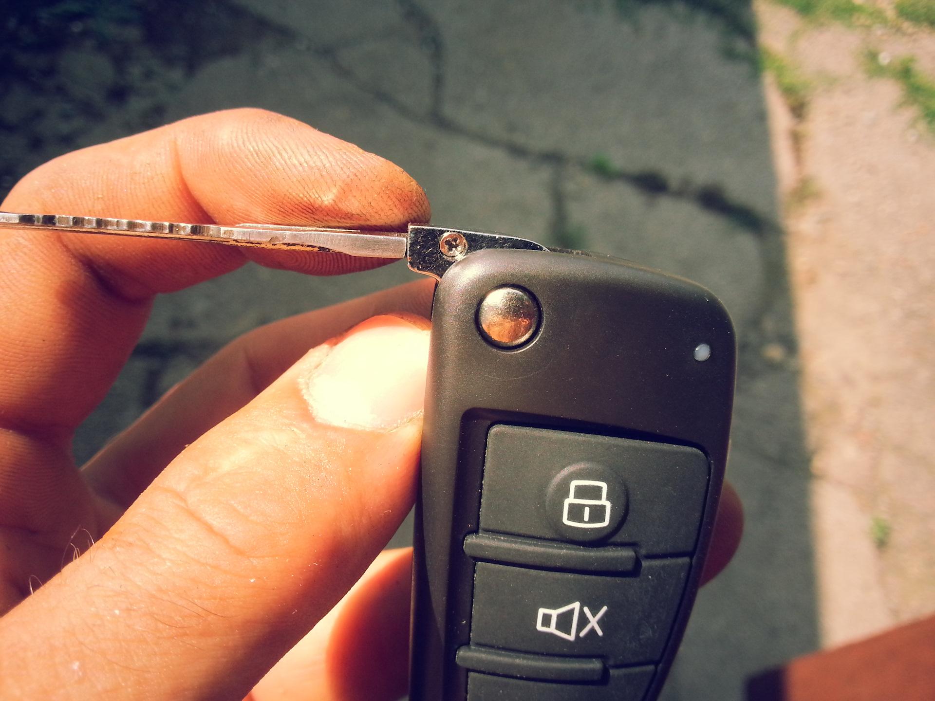 Выкидной ключ зажигания своими руками. Инструкция 26
