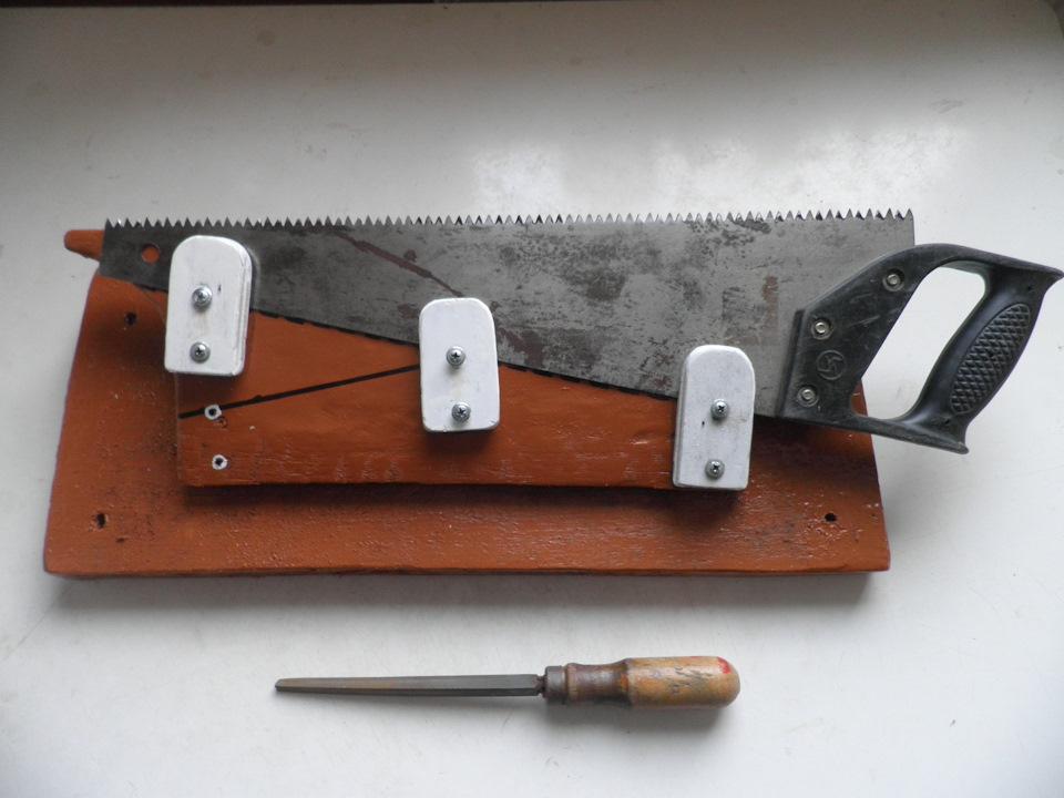 Приспособление для ножовки по дереву