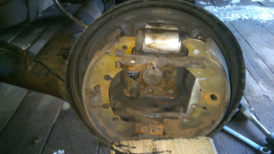 Задние тормозные колодки барабаны на форд фьюжен фото 161-254