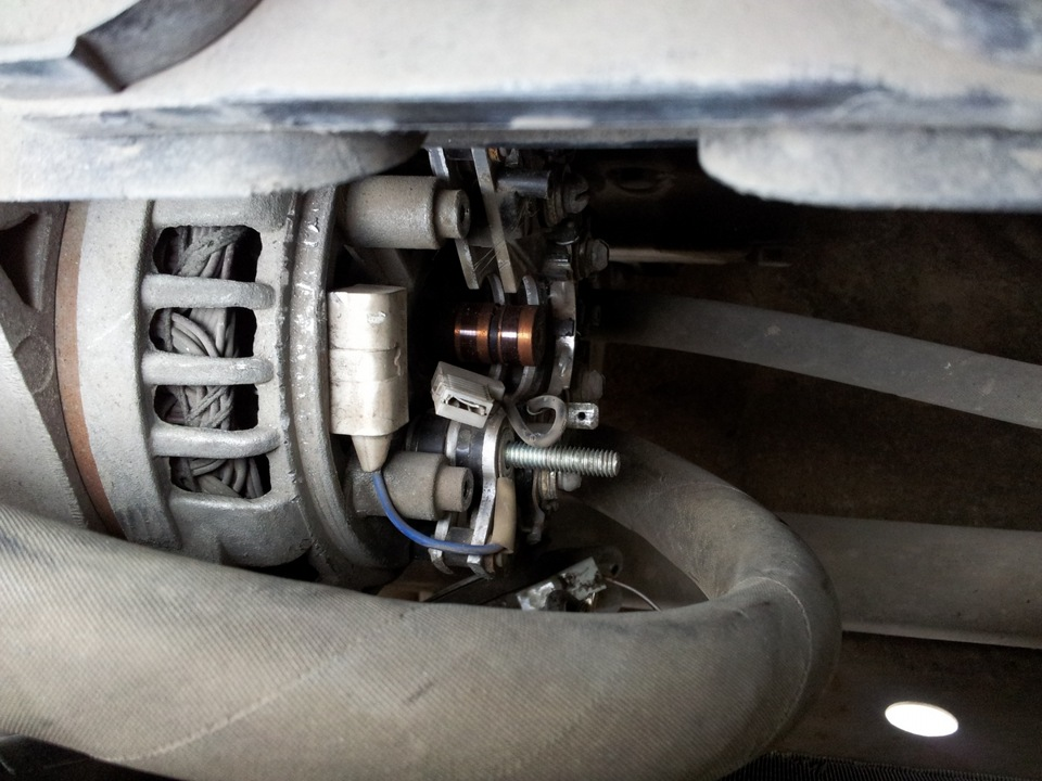 28fb6c8s 960 - Установка трехуровневого регулятора напряжения на приору