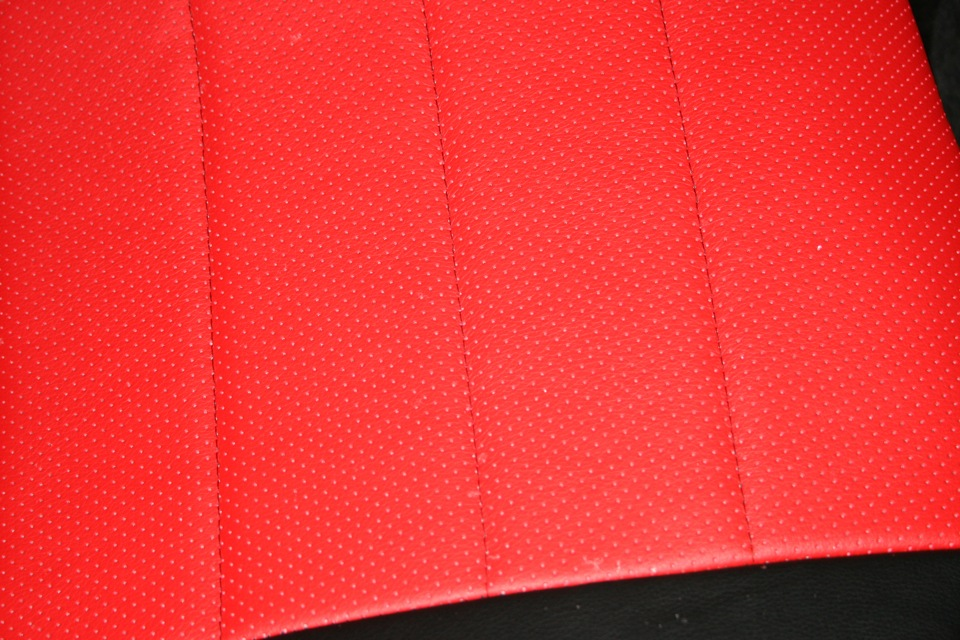 Авто чехлы для Toyota Тойота  Чехлы тойота Авенсис