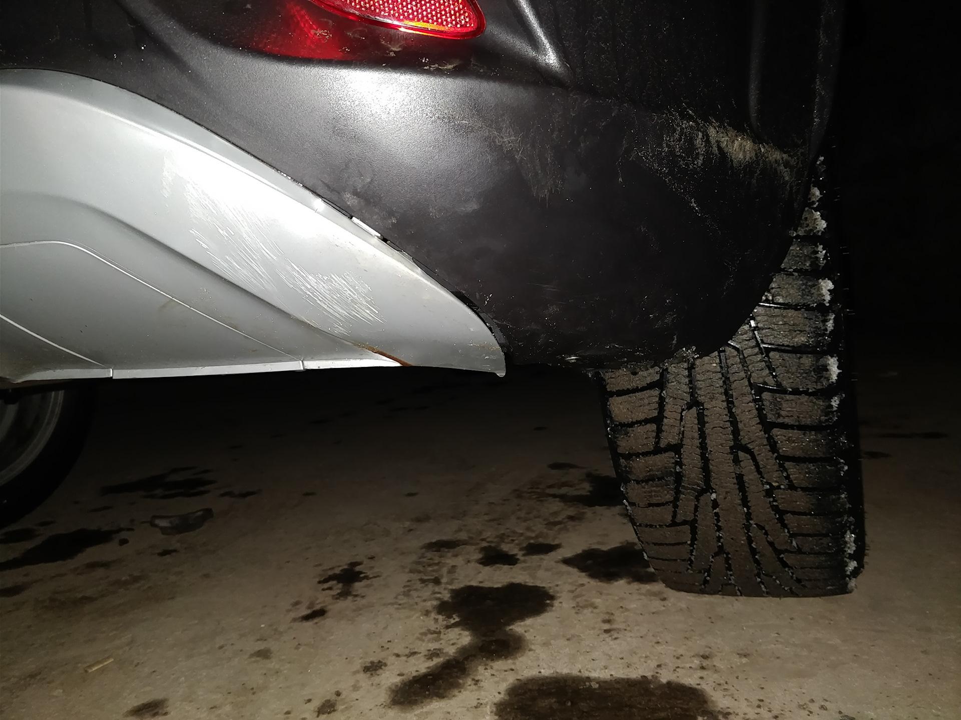 Повредили машину во дворе — что делать