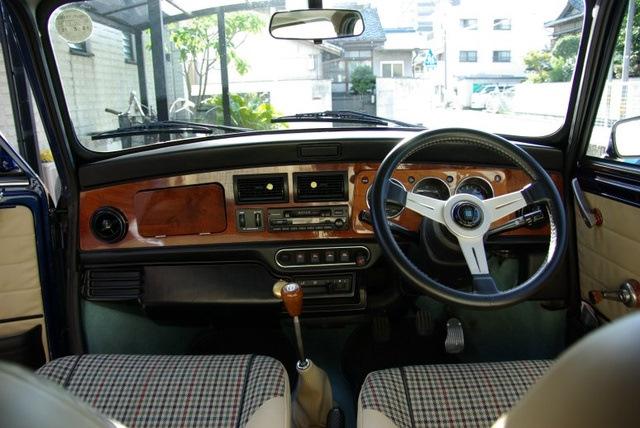 Rover Mini. Руль неродной