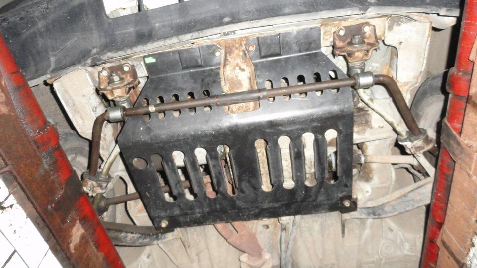 Подвеска: - полностью самодельный подрамник, на нём все крепления двигателя, рычаги, стабилизатор