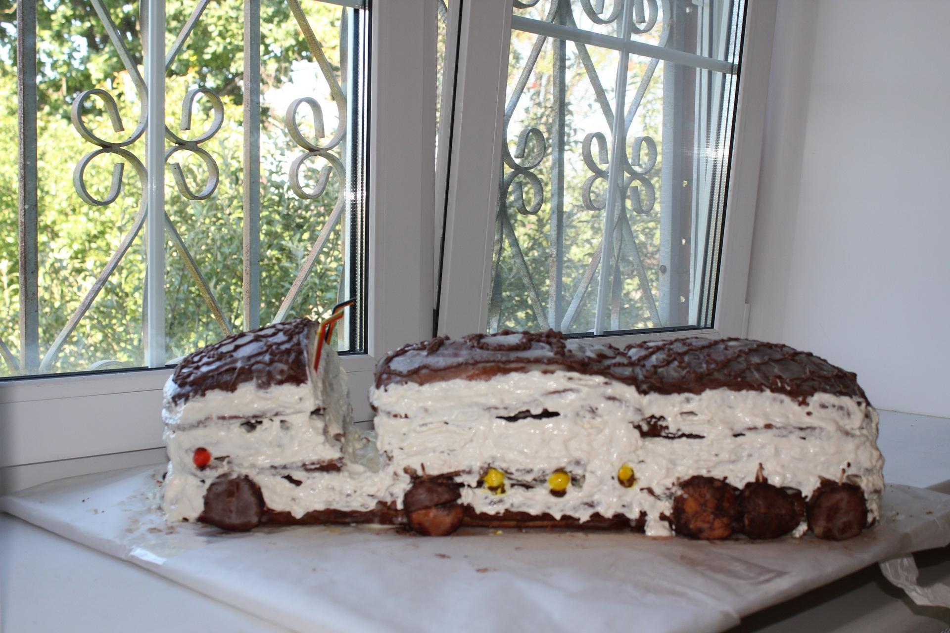 торт в виде фуры фото