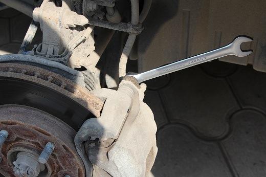 Замена тормозных колодок своими руками - logbook Mitsubishi Lancer X 1.5 2007 on DRIVE2