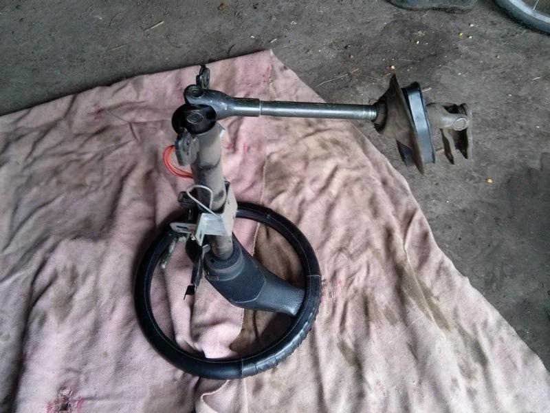 крестовина рулевого механизма, нижняя peugeot 405