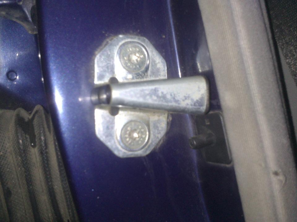как отрегулировать замки на двери авто мерседес