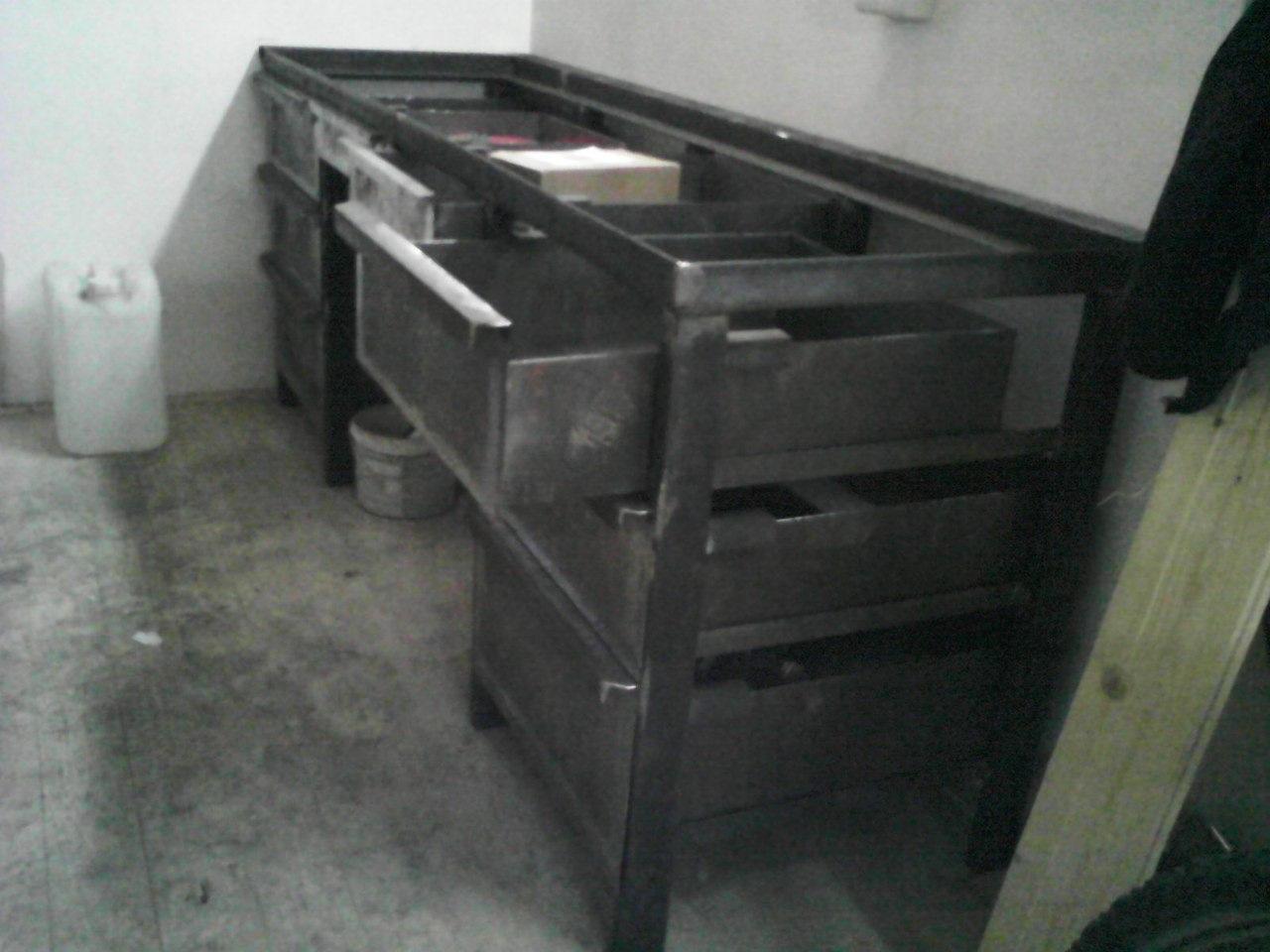 Железный верстак для гаража своими руками фото