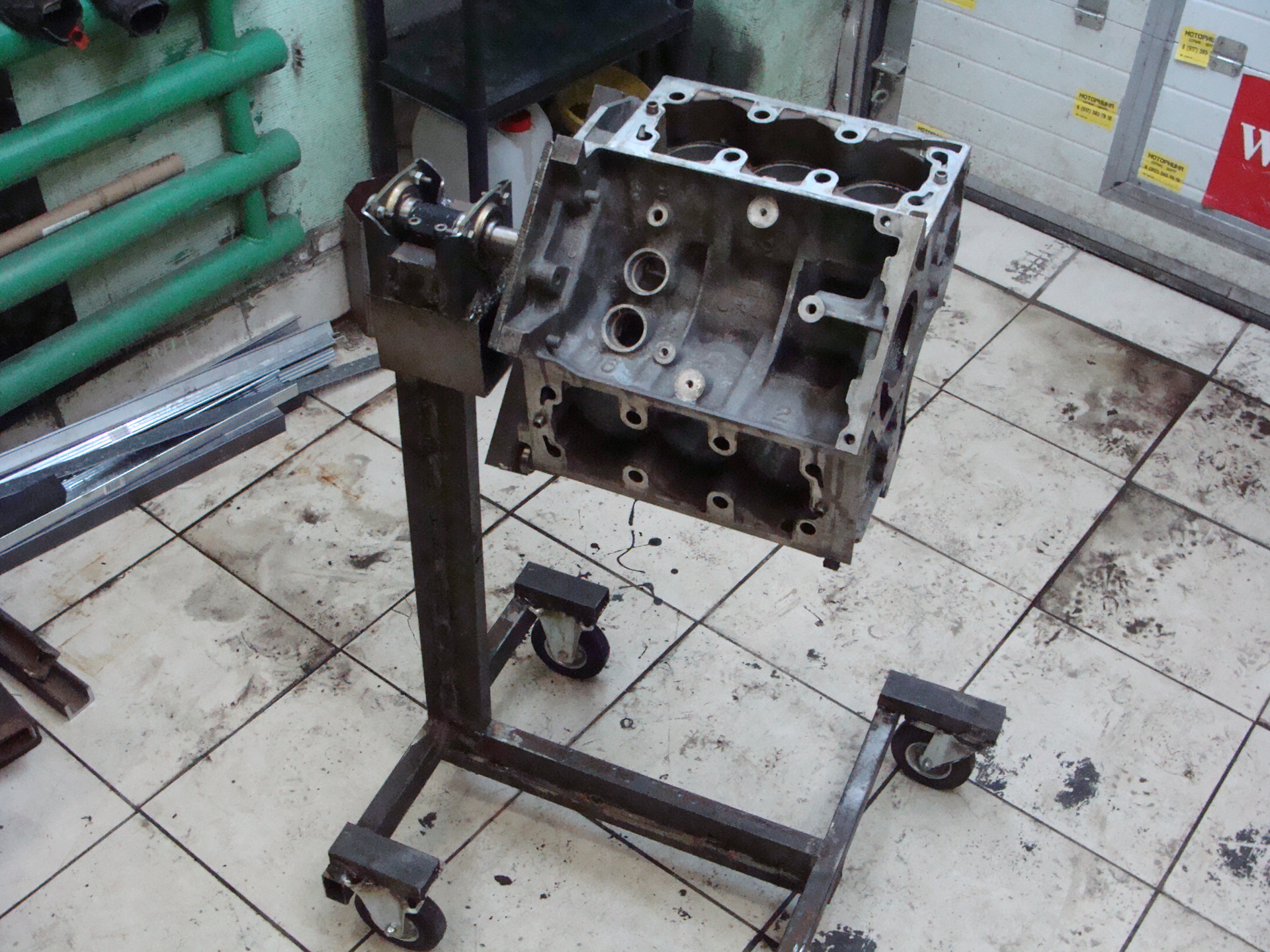 габаритов, так стенд для ремонта двигателя своими руками фото производилось под