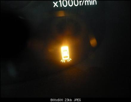 Почему горит чек аккумулятора тойота