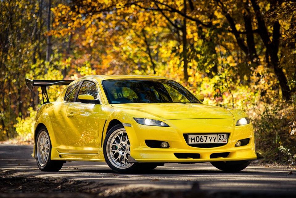 желтые машины фото парень