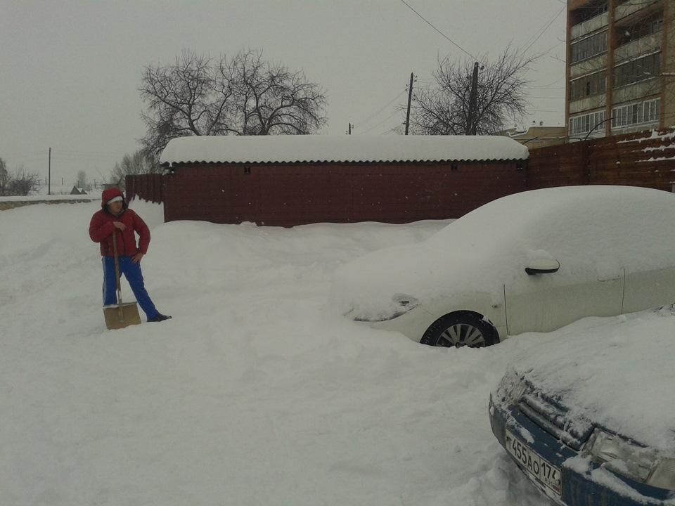 Снег в городе стих