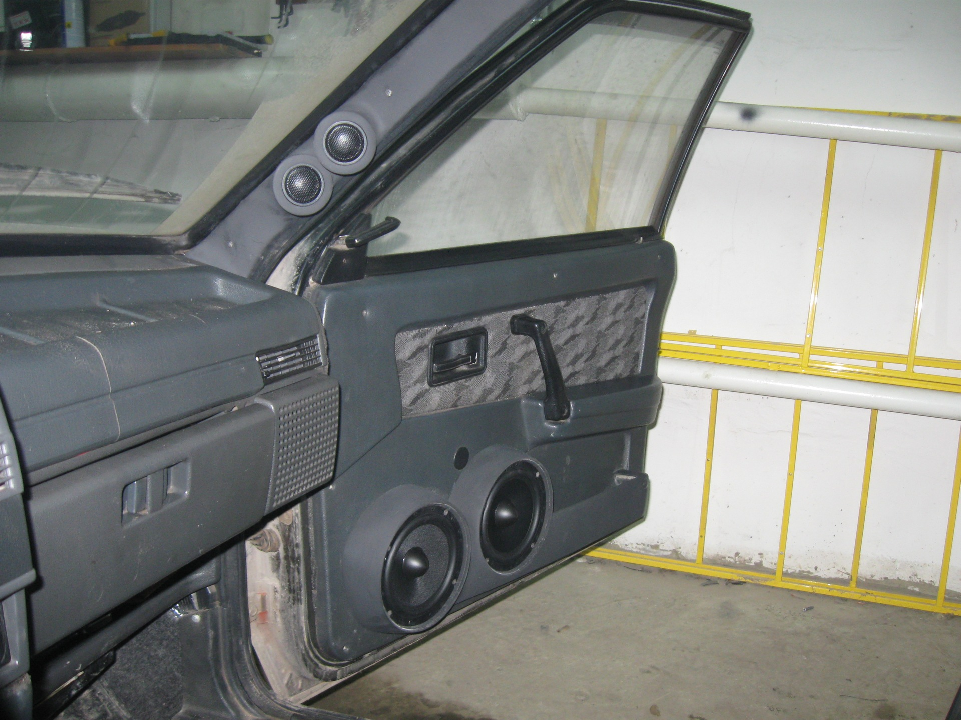 Подиумы акустические на 2109 в рубрике Автозапчасти г. Саратов