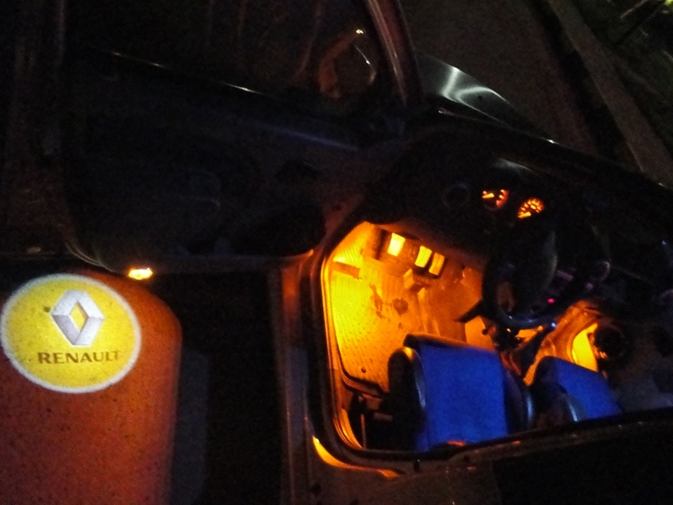 Проекторы логотипа + подсветка салона - бортжурнал Renault Logan my first car 2006 года на DRIVE2
