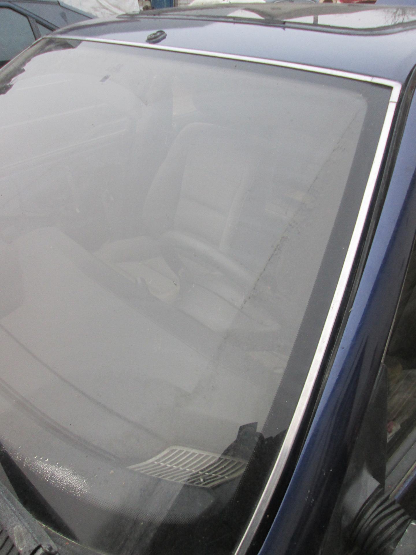 уплотнитель заднего стекла peugeot 405