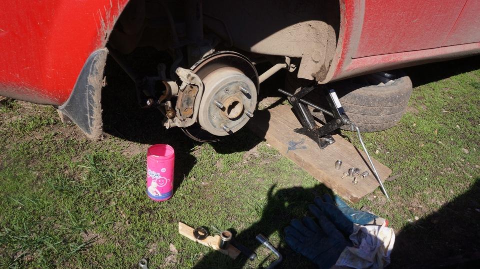 81 тормозной механизм переднего колеса ваз 21099 (лада)