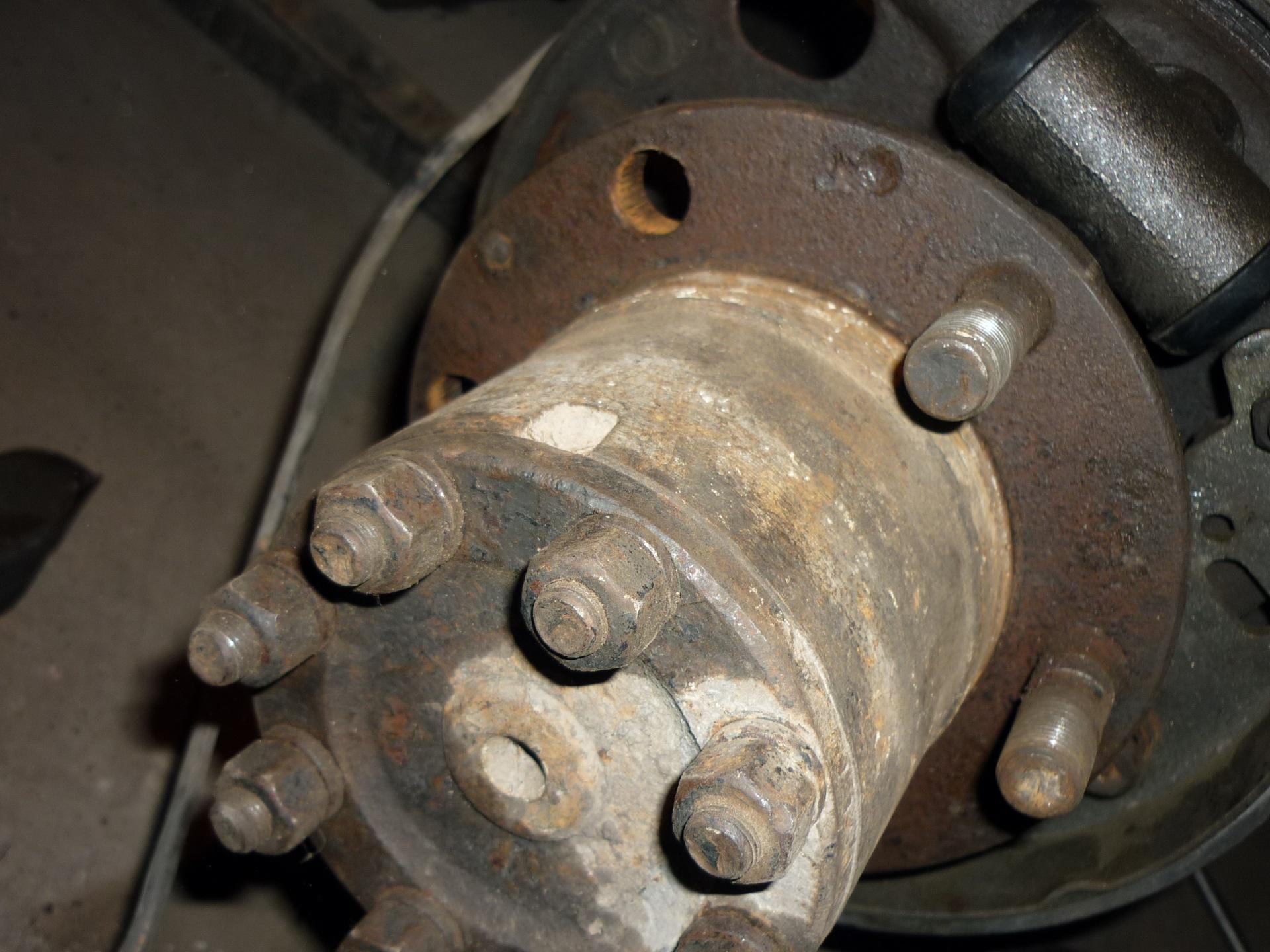 Замена шпилек заднего колеса форд транзит спарко фото 545-186