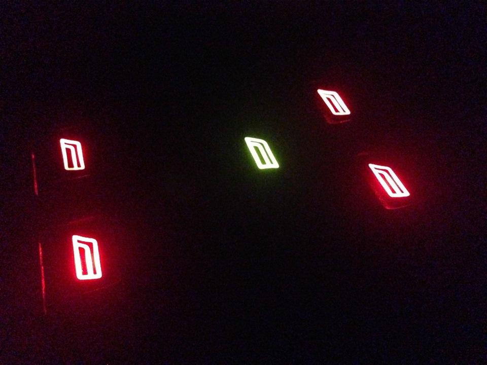 с подсветкой в салоне:
