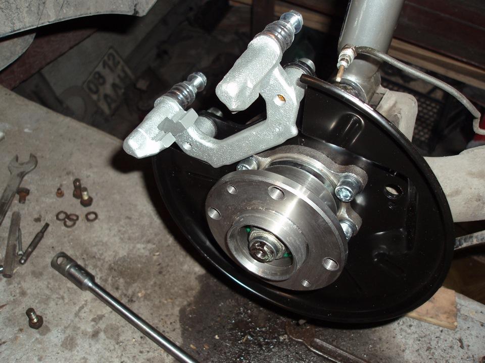 Задние дисковые тормоза на ваз 2190 с ручником своими руками 80
